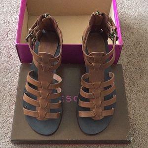 NWT Tesori Brown Gladiator Zip Back Sandals